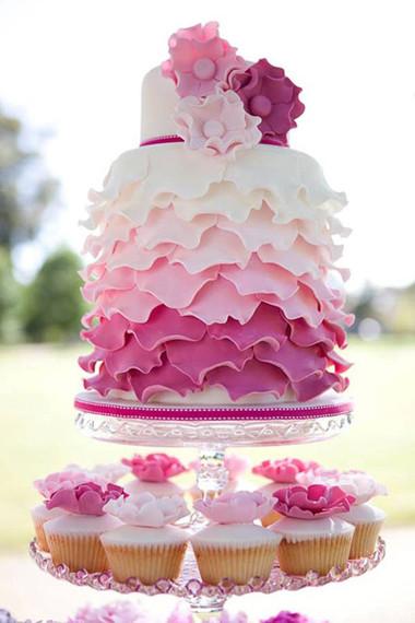 Những mẫu bánh cưới hấp dẫn các cặp đôi trong đám cưới Thu Đông 2014 2