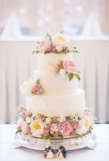 Những mẫu bánh cưới hấp dẫn các cặp đôi trong đám cưới Thu Đông 2014 6