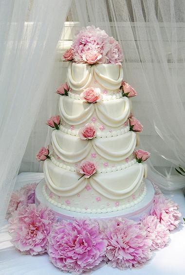 Những mẫu bánh cưới hấp dẫn các cặp đôi trong đám cưới Thu Đông 2014 7