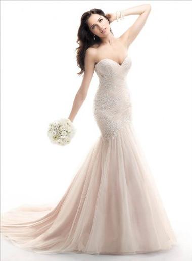 Váy cưới dáng dài 9