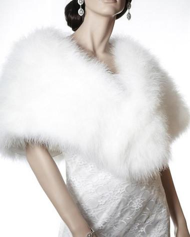 Áo khoác lông cho cô dâu thêm ấm áp trong mùa đông 9