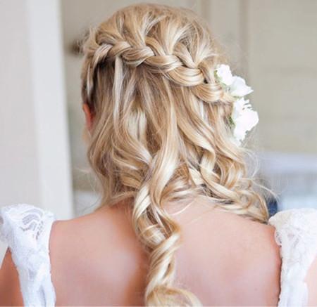 Những kiểu tóc dài cho cô dâu thêm rạng rỡ 11