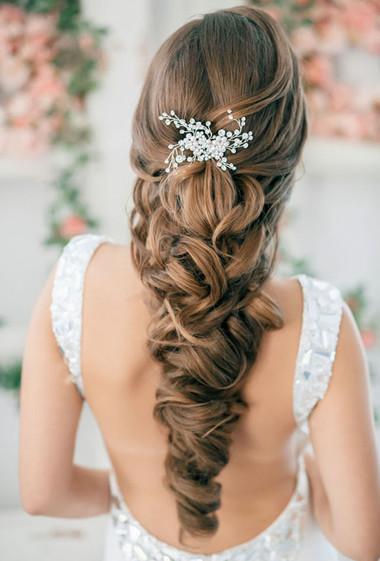 Những kiểu tóc dài cho cô dâu thêm rạng rỡ 1