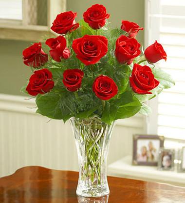 Đằm thắm với bình hoa hồng đỏ. 1