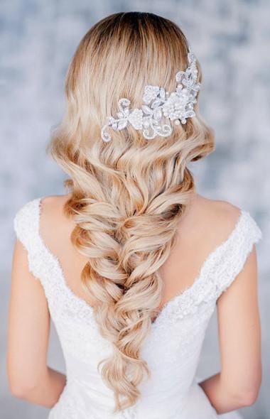 Những kiểu tóc dài cho cô dâu thêm rạng rỡ 5