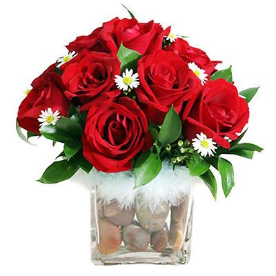 Đằm thắm với bình hoa hồng đỏ. 2