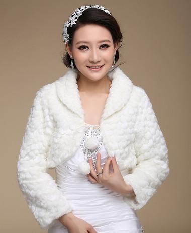 Áo khoác lông cho cô dâu thêm ấm áp trong mùa đông 4