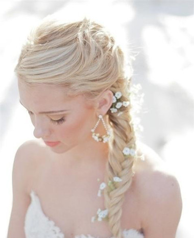 Những kiểu tóc dài cho cô dâu thêm rạng rỡ 9