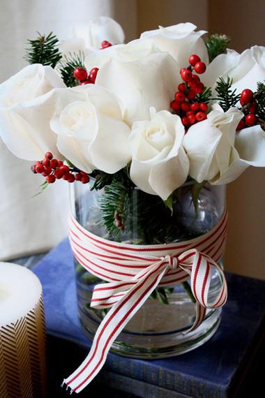 Tinh khôi với bình hoa màu trắng. Rực rỡ với bình hoa màu vàng 2
