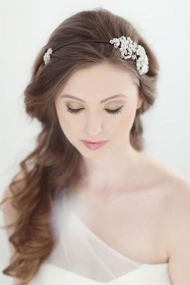 Những kiểu tóc dài cho cô dâu thêm rạng rỡ 3