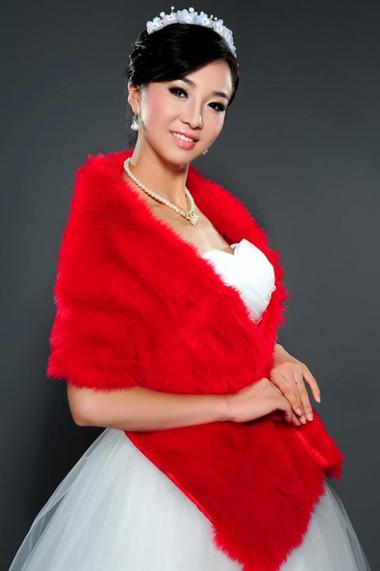 Áo khoác lông cho cô dâu thêm ấm áp trong mùa đông 10