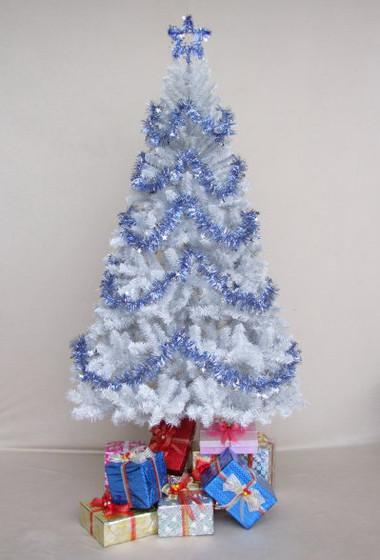 Chọn cây thông trang trí đón mừng Giáng sinh 10