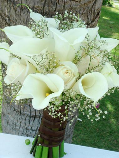 Vẻ đẹp thanh khiết của hoa Rum cho cô dâu đẹp rạng ngời trong ngày cưới 3