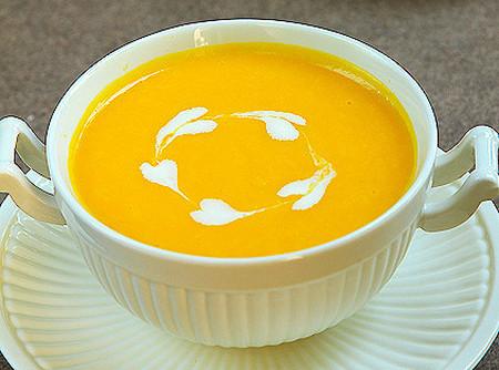 Ngon miệng, đẹp mắt là những cảm nhận về món súp bí đỏ.