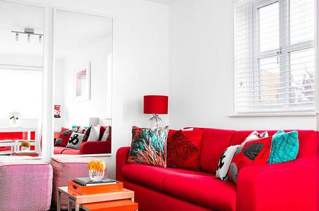 Phòng khách mùa đông ấm áp với gam màu đỏ 1