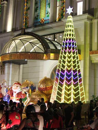 Tưng bừng đón Giáng sinh với hình ảnh cây thông  4