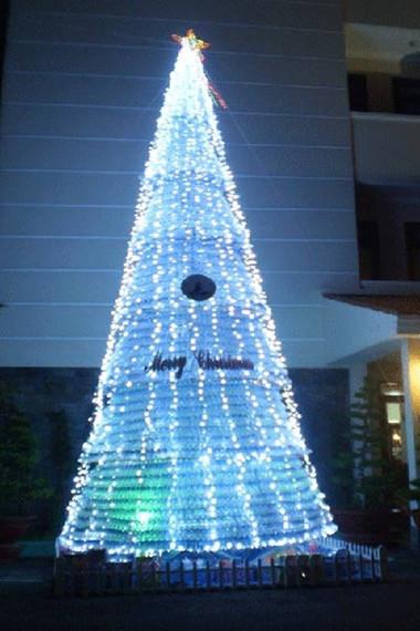 Tưng bừng đón Giáng sinh với hình ảnh cây thông  7