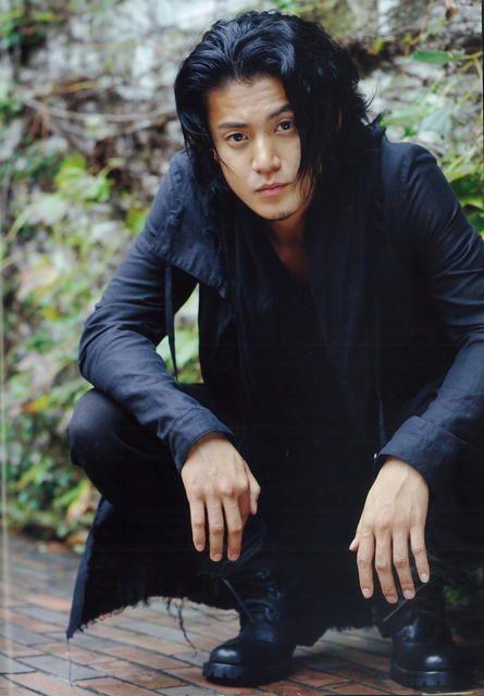 Những kiểu tóc hấp dẫn nhất của các quý ông châu Á bạn không thể bỏ qua 9