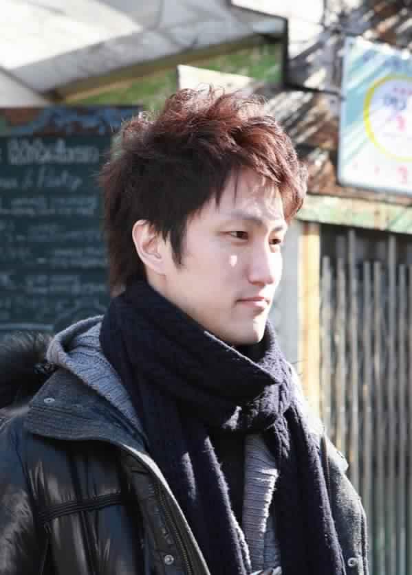 Những kiểu tóc hấp dẫn nhất của các quý ông châu Á bạn không thể bỏ qua 3